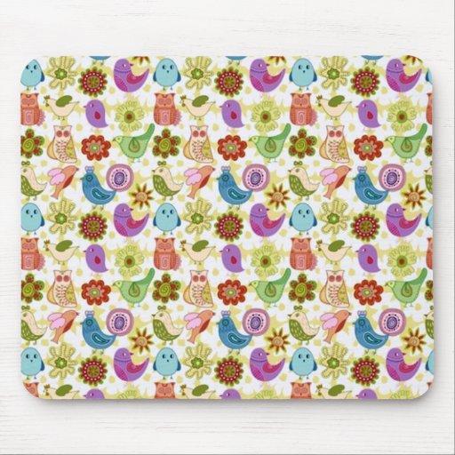 padrão divertido de flores e passaros mouse pad