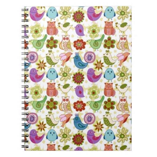 padrão divertido de flores e passaros notebooks
