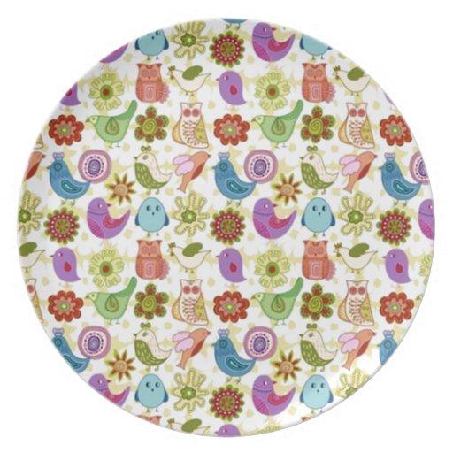 padrão divertido de flores e passaros party plates