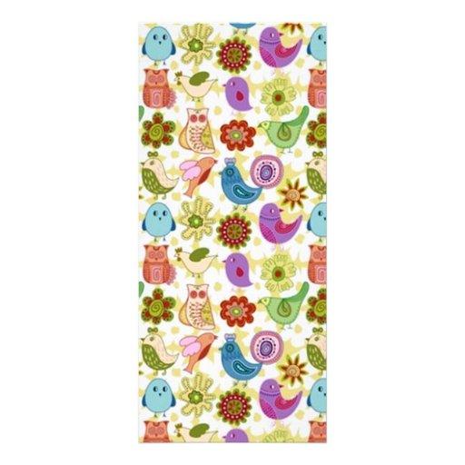 padrão divertido flores e passaros rack card design