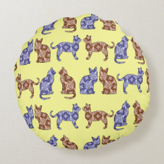 Pale Yellow Paisley Cats Pattern Throw Pillow