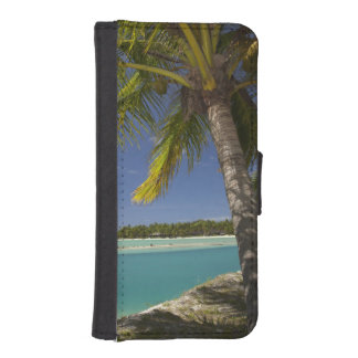 Palm trees & lagoon, Musket Cove Island Resort Phone Wallet Cases