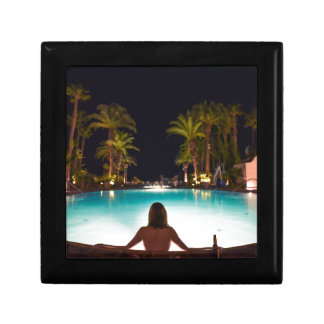 Palms, pool, woman and beer... gift box
