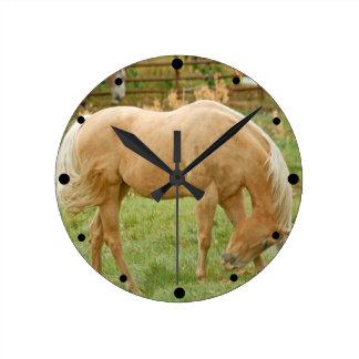 Palomino Horse Round Clock