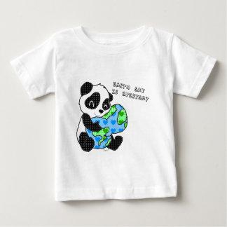 Panda hugs the earth / earthday shirt