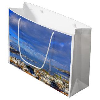 Panoramic view of the Geneva water jet Large Gift Bag