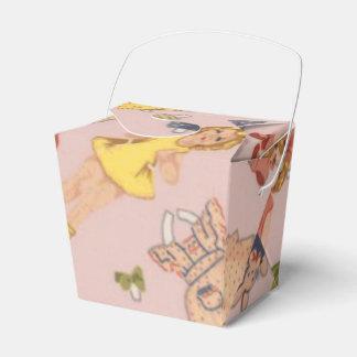 paper doll favour box