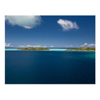 Parasailing over the beautiful lagoon of Bora 2 Postcard
