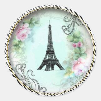 Paris Eiffel Tower & Pink Roses Round Sticker