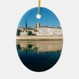 Paris Panorama - Ile Saint Louis Ceramic Oval Decoration