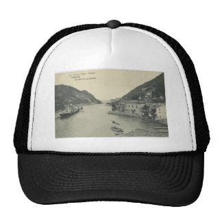 Pasajes Salida De La Bahia, Vintage Trucker Hats