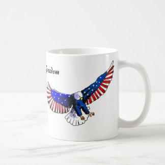 Patriotic eagle, American freedom Mug