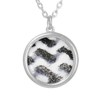 paving pattern silver plated necklace