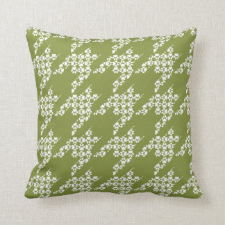 Paws-for-Décor Houndstooth Pillow (Olive)