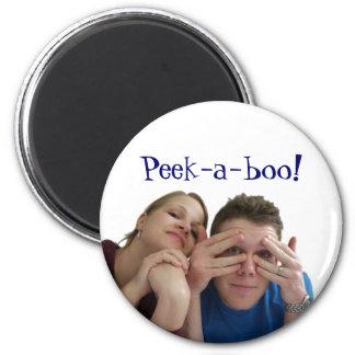 Peek-a-boo! 6 Cm Round Magnet