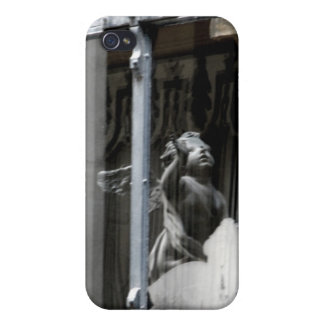 Peering Out Covers For iPhone 4