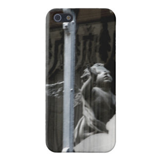 Peering Out iPhone 5 Cover