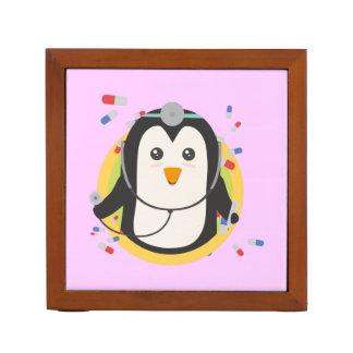 Penguin doctor in circle Z2j5l Desk Organiser