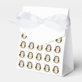 Penguin doctor in circle Z2j5l Favour Box