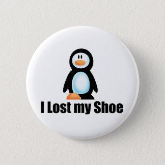 Penguin lost shoe copy 6 cm round badge