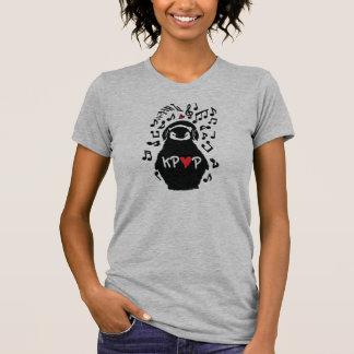 Penguin love KPOP: Women's T-SHIRT