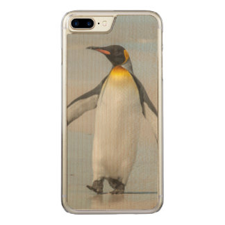 Penguin walking on the beach carved iPhone 7 plus case