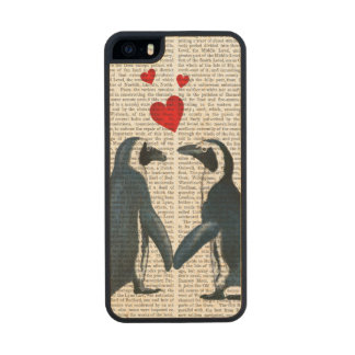 Penguins With Love Hearts Wood iPhone SE/5/5s Case