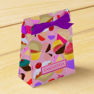 Personalize .. Fun, Bright Pink Cupcake Favour Box
