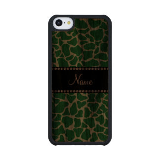 Personalized name green giraffe pattern carved® walnut iPhone 5C case