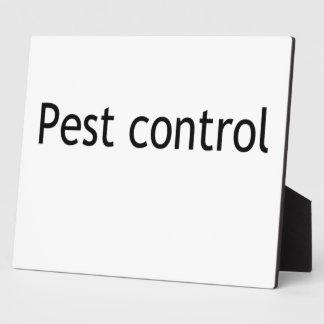 Pest control display plaque