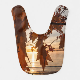 photo bib breaks into leaf of maples