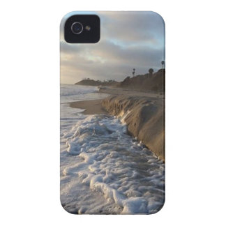 Photograph of the waves hitting the sand iPhone 4 case
