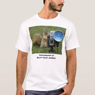 Photographing Squirrels byScott Alan Johnson T-Shirt