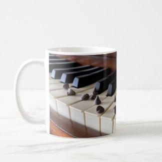 Piano and chocolate chips (11oz) coffee mug