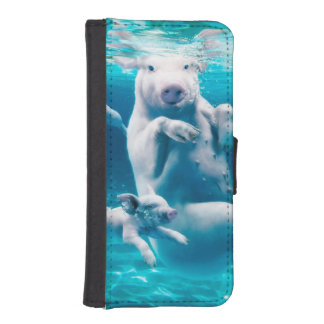 Pig beach - swimming pigs - funny pig iPhone SE/5/5s wallet case