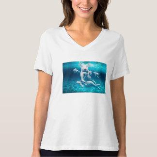 Pig beach - swimming pigs - funny pig T-Shirt