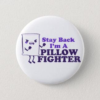 pillow fight 6 cm round badge