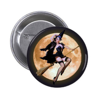 Pin-Up Witch Against a Harvest Moon 6 Cm Round Badge