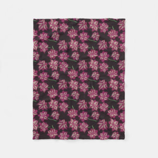 Pink and White Dahlia Pattern Fleece Blanket