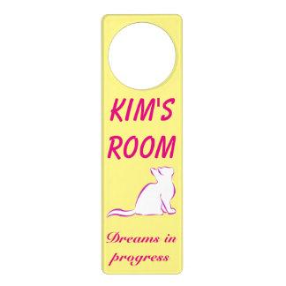 Pink cat, white fill door hanger