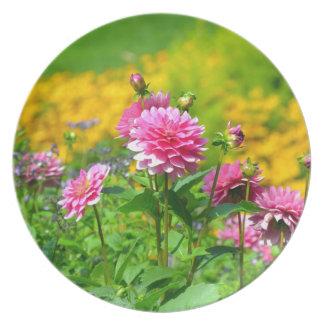 Pink dahlia flower garden party plates