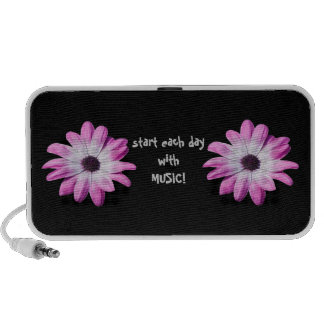 Pink daisy flowers portrable doodle speakers