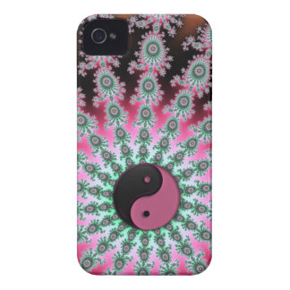 Pink Green and Black Fractal Yin-Yang iPhone 4 Case