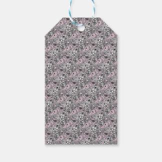 Pink paisley gift tags