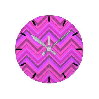 Pink stripes zigzag pattern round clock