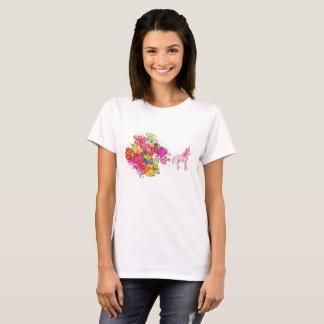 Pink Unicorn Passes beautiful Wind T-Shirt