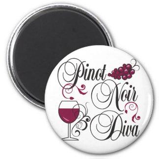 Pinot Noir Wine Diva 6 Cm Round Magnet