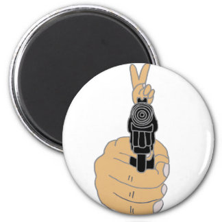 Pistol with Peace Sign Sight 6 Cm Round Magnet