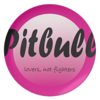 Pitbull: Lovers not fighters plate