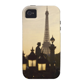 Place de la Concorde, the city's largest square Vibe iPhone 4 Cases